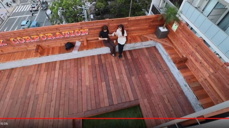 ユージさんがデザインして作ったウッドデッキとフェンスとベンチ