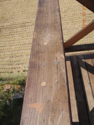 高床式デッキDIY(レッドシダー)手摺固着ネジ埋め木