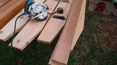 パーゴラ(レッドシダー)のDIY作品 垂木カット